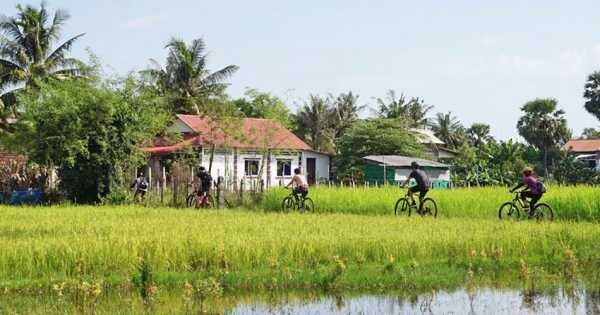 Bicycle Tour: Discover Cambodia Countryside