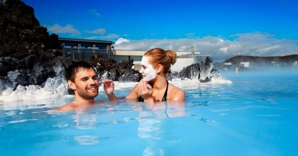 Incredible 8 Days & 7 Nights Private Tour of Iceland