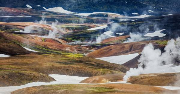 Landmannalaugar Pearl of the Highlands – Hiking & Bathing Tour