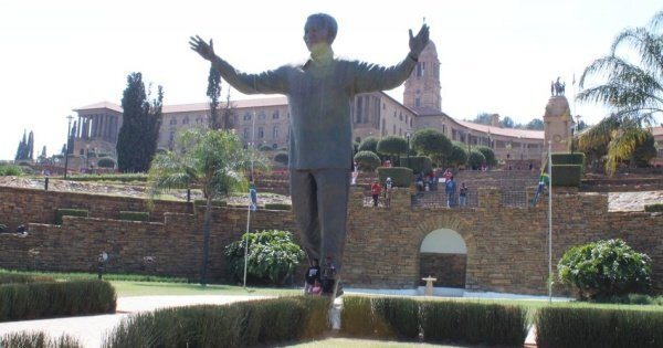 Pretoria, Soweto & Apartheid Museum Day Tour from Johannesburg