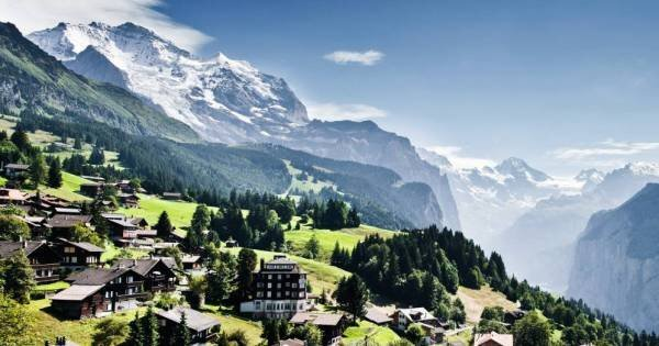 Kleine Scheidegg - Centre of the Alps
