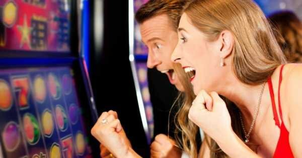 Try Your Luck in Laughlin Nevada on a Gaming Tour